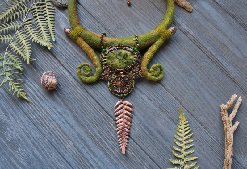 Fern Queen: witch jewelry, witchy necklace, green witch, forest jewelry, fern necklace, magic jewelry