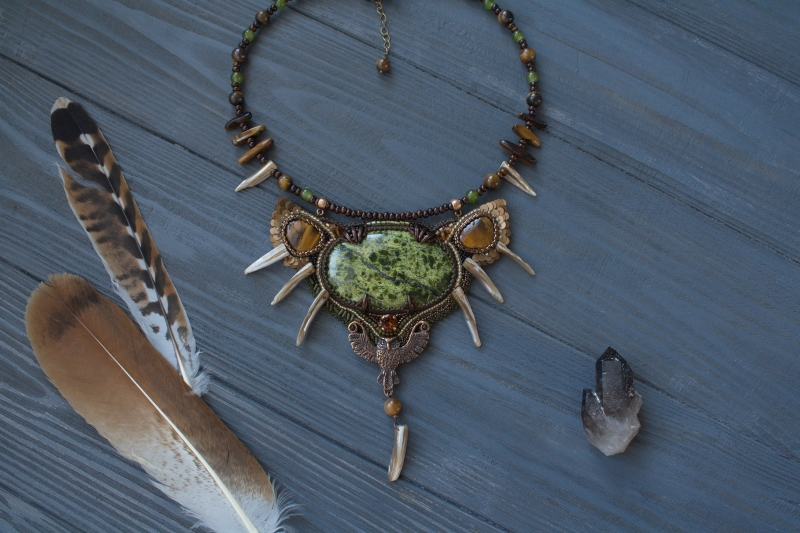 Owl Huntress: witch jewelry, witchy necklace, green witch,  forest jewelry, owl totem necklace