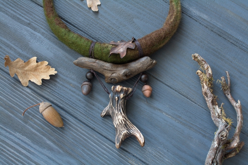 Oak Forest keeper: witch jewelry, witchy necklace, green witch, forest jewelry, antler necklace
