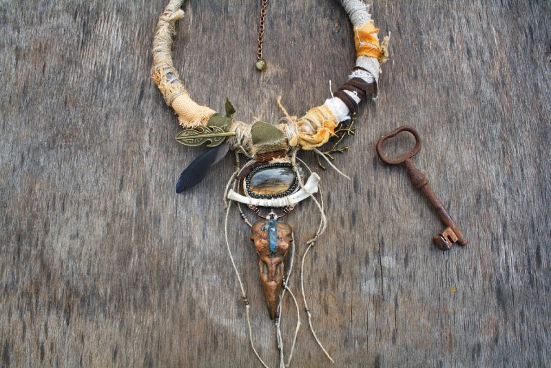 Raven Tribe Priestess: witch jewelry, witchy necklace, pagan jewelry, raven necklace