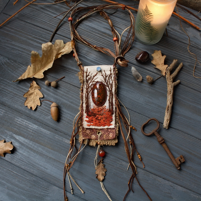 Keeper of fallen leaves pouch necklace: witch jewelry, witchy necklace, autumn jewelry, Mabon pouch necklace, hedge witch, pagan jewelry