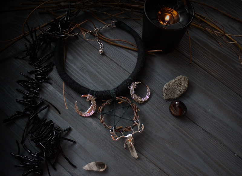 Black Triple moon and wreath pentacle witch necklace: crystal, deer