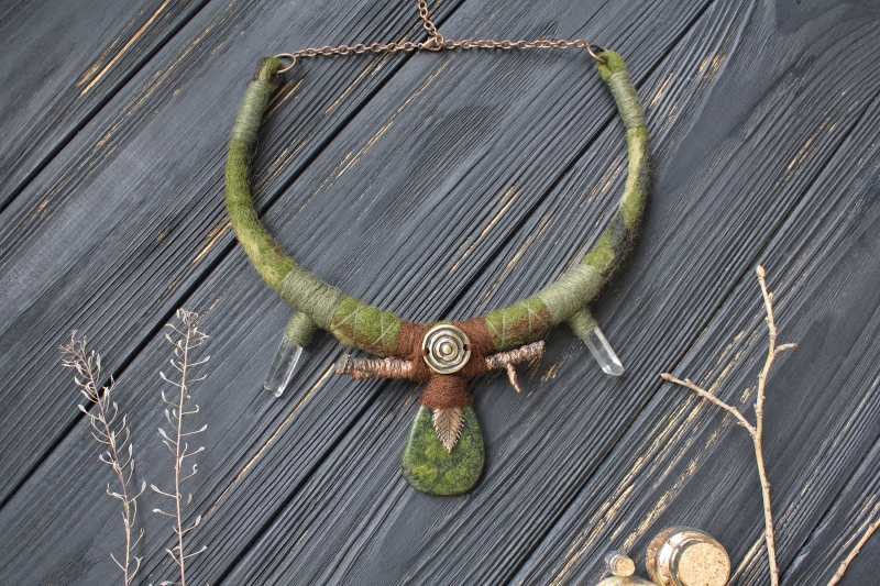 Forest natural necklace with Serpentine: