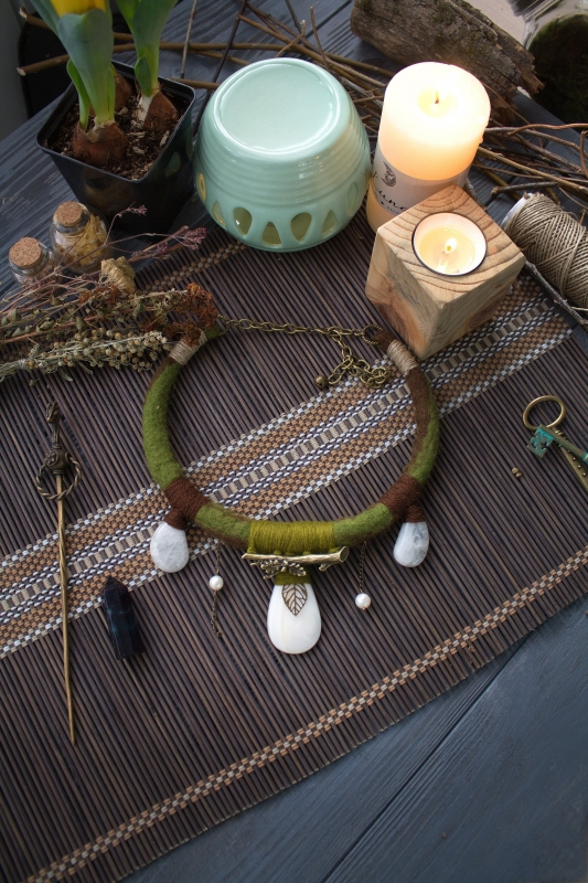Snowdrop earthy natural style green witch necklace: