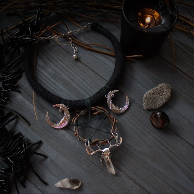 Black Triple moon and wreath pentacle witch necklace