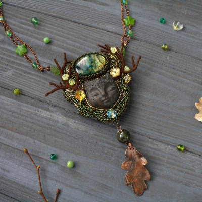 Forest Dreamer green witch necklace
